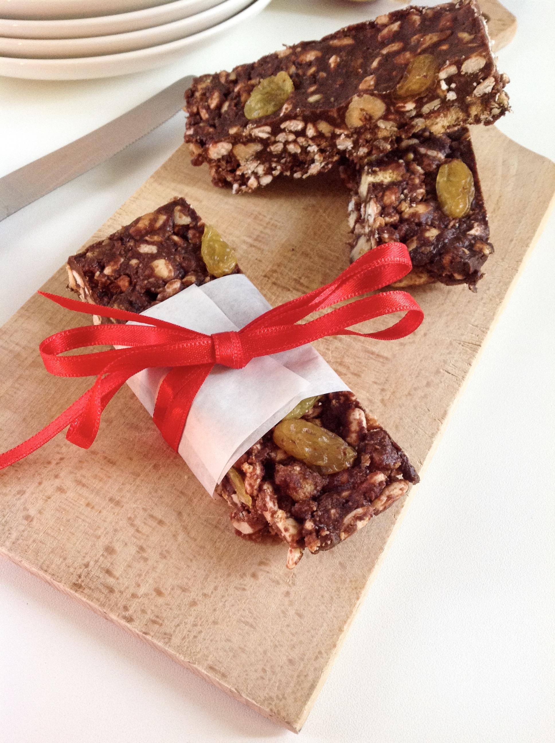 Barrette al cioccolato e frutta secca
