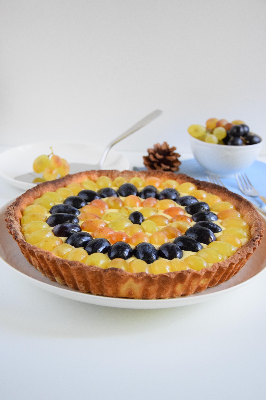 Crostata di uva con crema al marsala