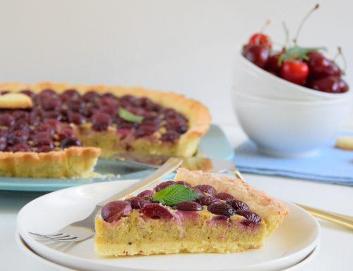 Crostata di ciliegie e crema frangipane