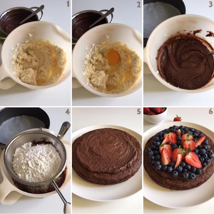 Torta con mousse al cioccolato fondente