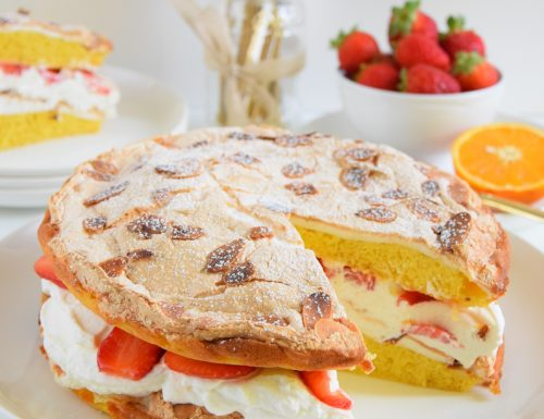 Meringue cake alle fragole