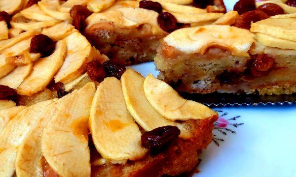 Torta di pane (mele e uvetta)