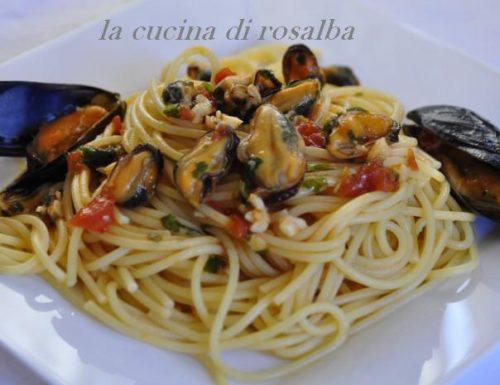 Spaghetti con le cozze fresche