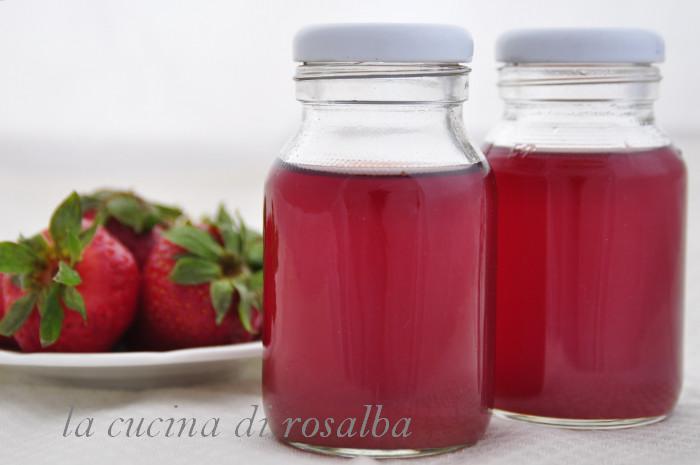 alcolato di fragole per dolci | ricetta la cucina di rosalba