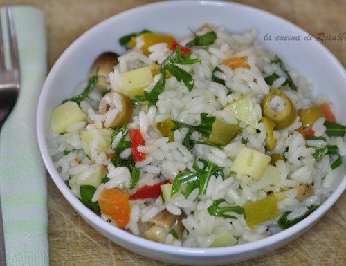 insalata di riso con rucola e sottoli