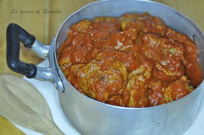 spezzatino di vitello al sugo | ricetta la cucina di rosalba