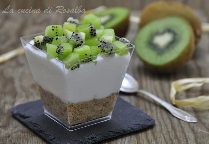 cheesecake ai kiwi in bicchiere | ricetta la cucina di rosalba