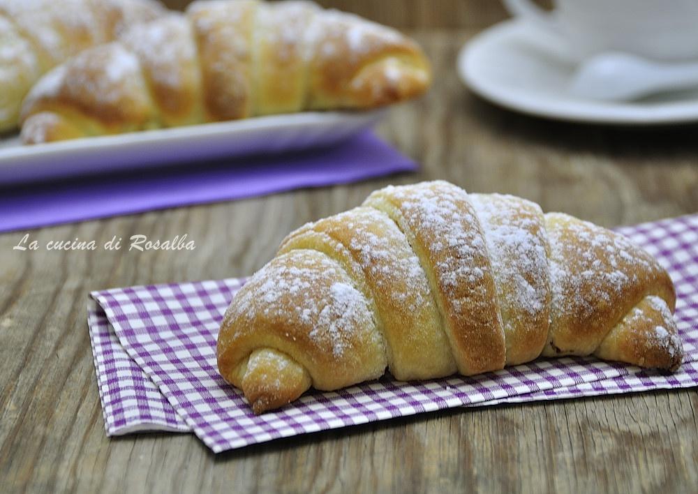 cornetti pan brioche con lievito madre