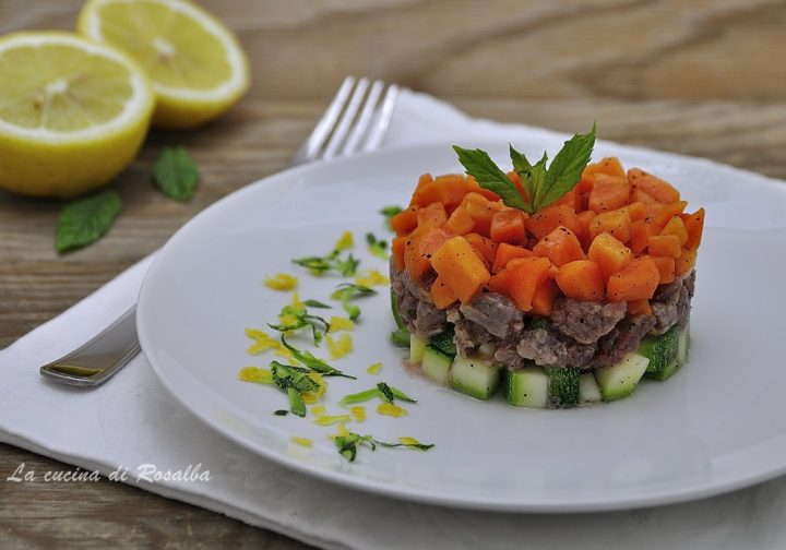 tartare di tonno con zucchine e papaya