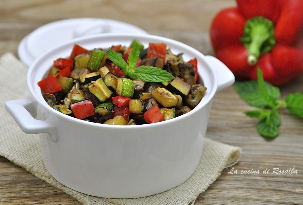 dadolata di verdure miste in padella