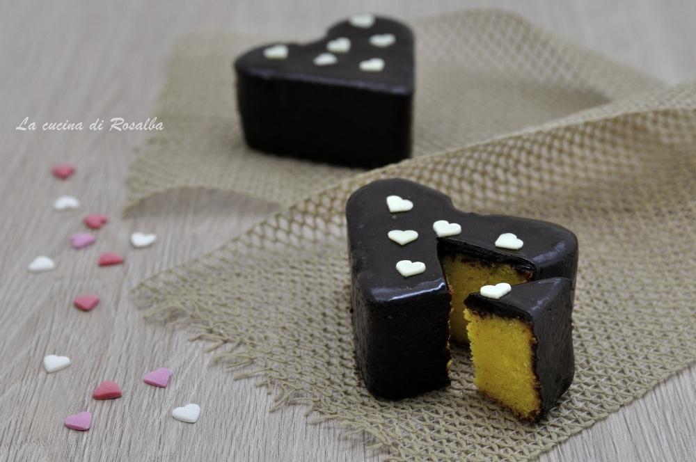 Cuore con glassa al cioccolato