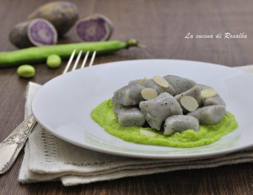 Gnocchi di patate viola con pesto di fave