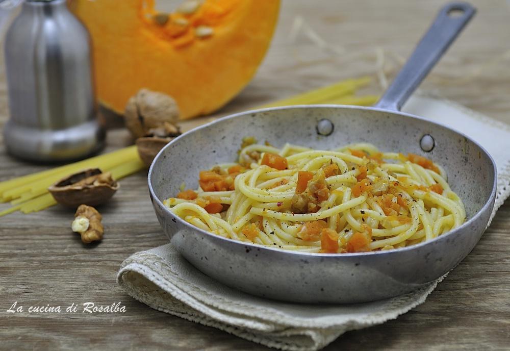 pasta con zucca e noci - raccolta di ricette con la zucca