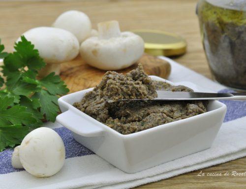 Paté di funghi champignon