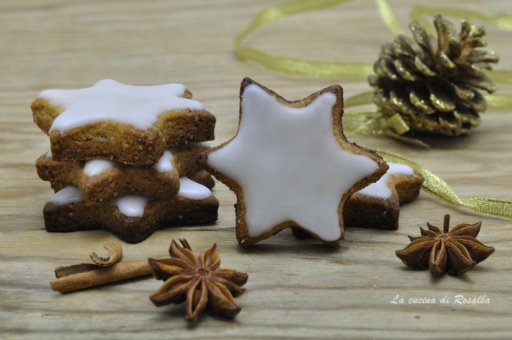 biscotti di natale a stella speziati e glassati