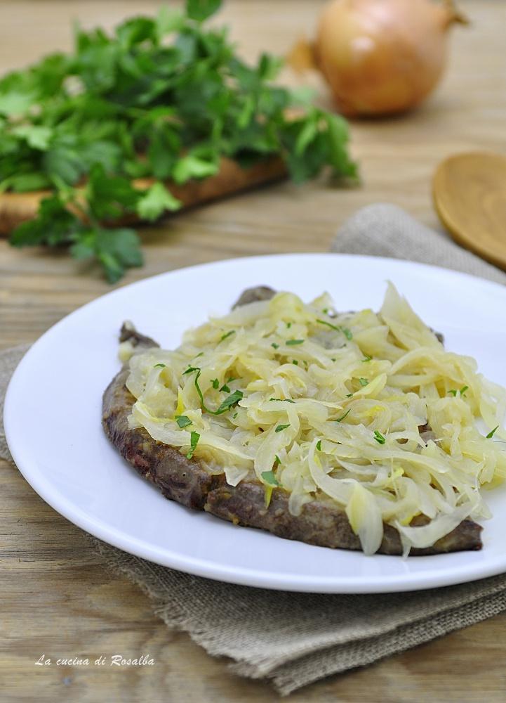 FEGATO CON CIPOLLE IN AGRODOLCE ricetta