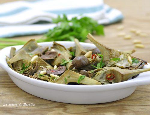 Carciofi con pinoli e olive