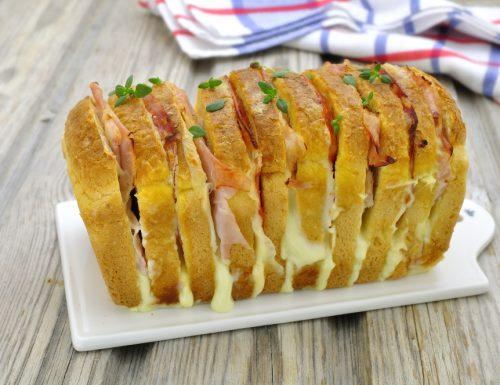PAN BAULETTO FARCITO AL FORNO con prosciutto e formaggio