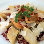 Una ricetta al giorno per Natale e Capodanno: Misticanza di stagione con filetti di pesce persico, triglia e grana padano.