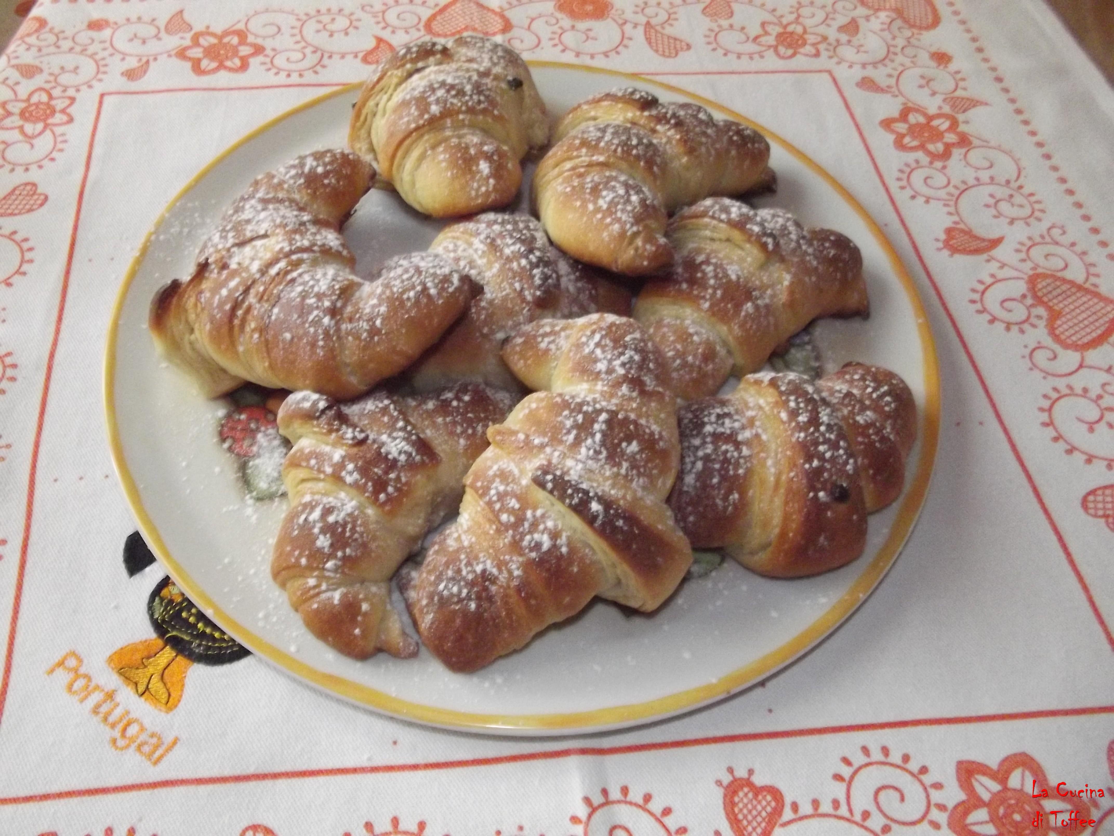 Cornetti Simil Sfogliati Con Lievito Madre La Cucina Di Toffee