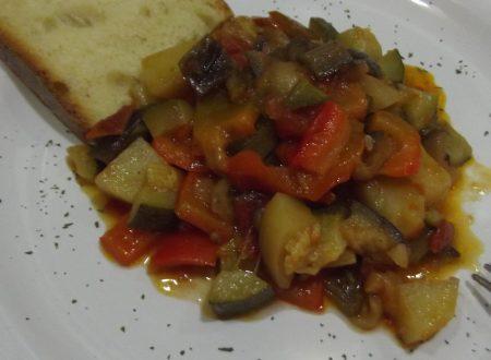 """""""Ciambotta"""" (Ratatouille) di verdure"""