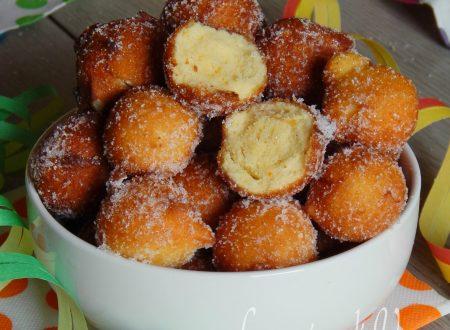 Castagnole alla ricotta dolci di carnevale