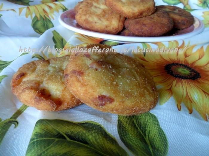 schiacciate di patate salciccia e pecorino