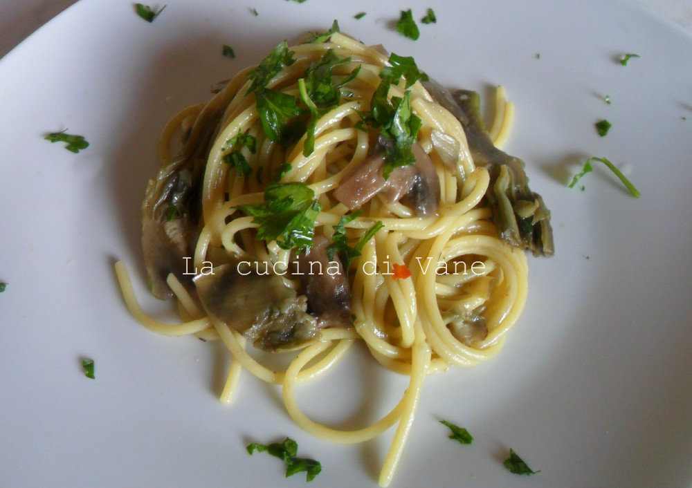 Ricette pasta con carciofi e funghi