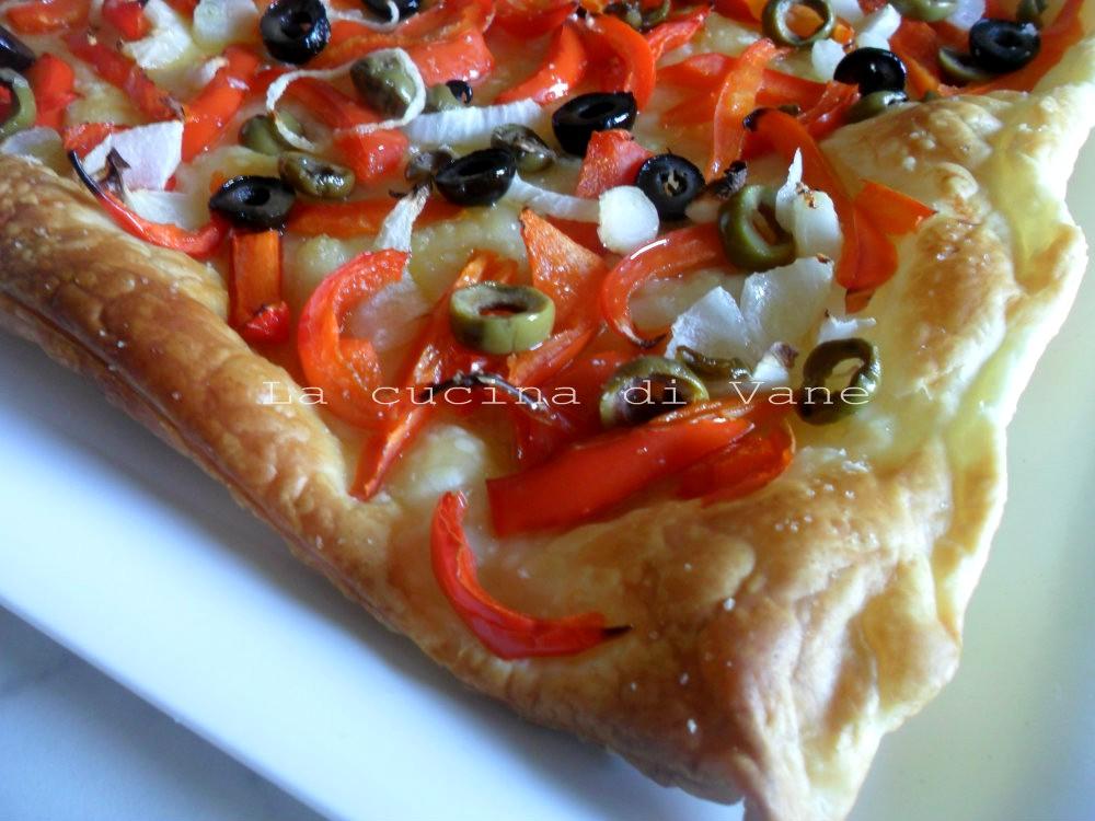 sfoglia con peperoni olive e cipolle ricetta golosa