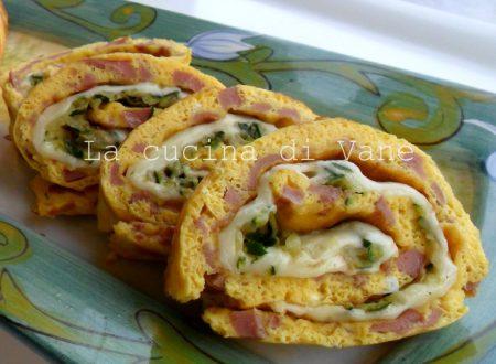 Girelle di frittata con zucchine e scamorza | Rotolo di frittata farcito