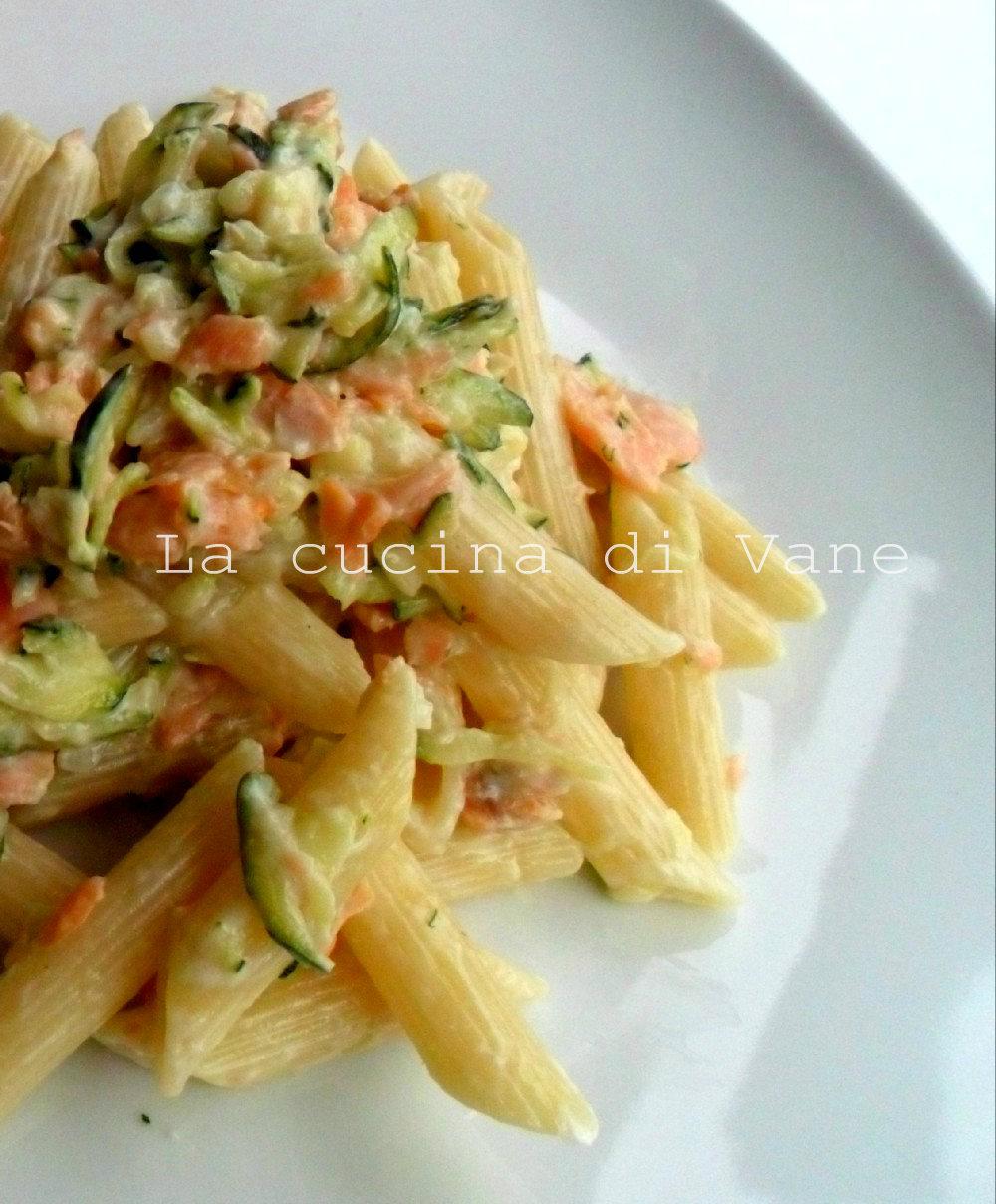 Ricetta pasta al salmone con il bimby