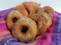 Ciambelle soffici zuccherate ricetta golosa