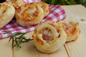 Pasta ai quattro formaggi con radicchio e pancetta