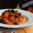 Spaghetti al sugo veloce di olive e melanzane