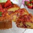 Torta soffice latte panna e fragole