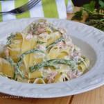 Pappardelle cremose con asparagi e salmone