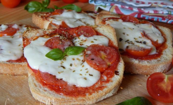Pizzette di pane facili e veloci
