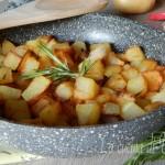 Patate in padella croccanti e saporite