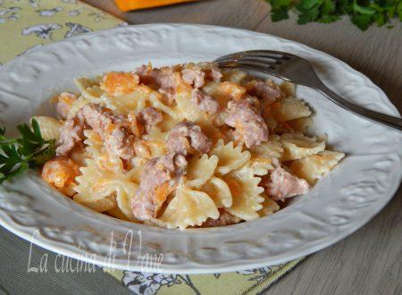 Pasta cremosa zucca salsiccia e panna