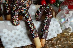 Bastoncini al cioccolato biscotti di Natale