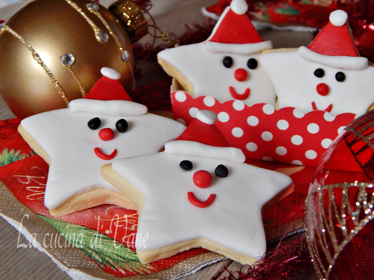 Torta A Forma Di Stella Di Natale.Biscotti Di Natale Decorati Stelle Babbo Natale