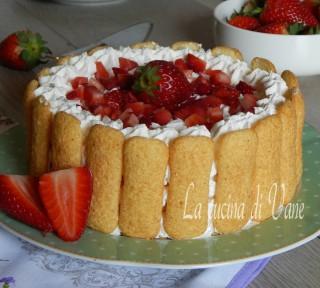 torta fredda pavesini fragole e panna senza cottura...