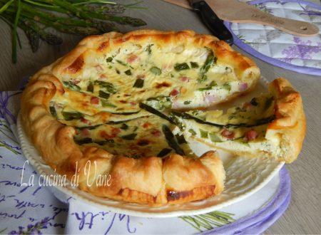 Torta salata con asparagi e prosciutto