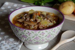 Zuppa di farro funghi e patate