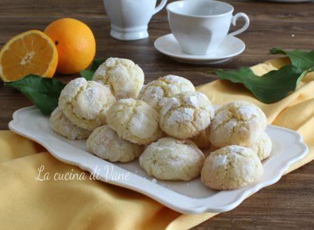 Biscotti morbidi all'arancia e mandorle