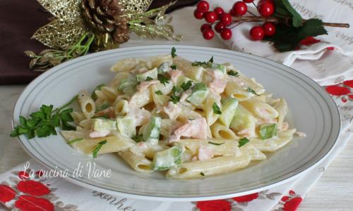 Pasta panna salmone e zucchine