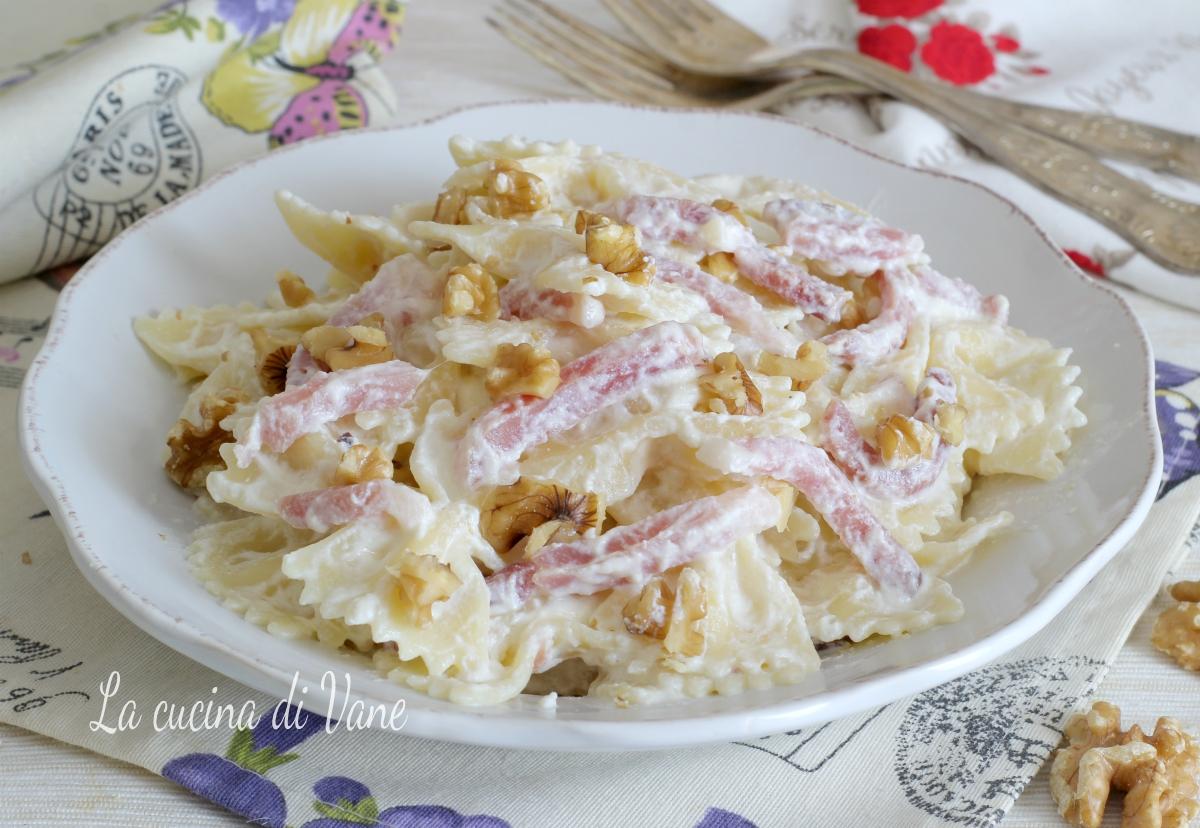 Pasta alla ricotta con noci e speck primo piatto veloce for Primo piatto veloce