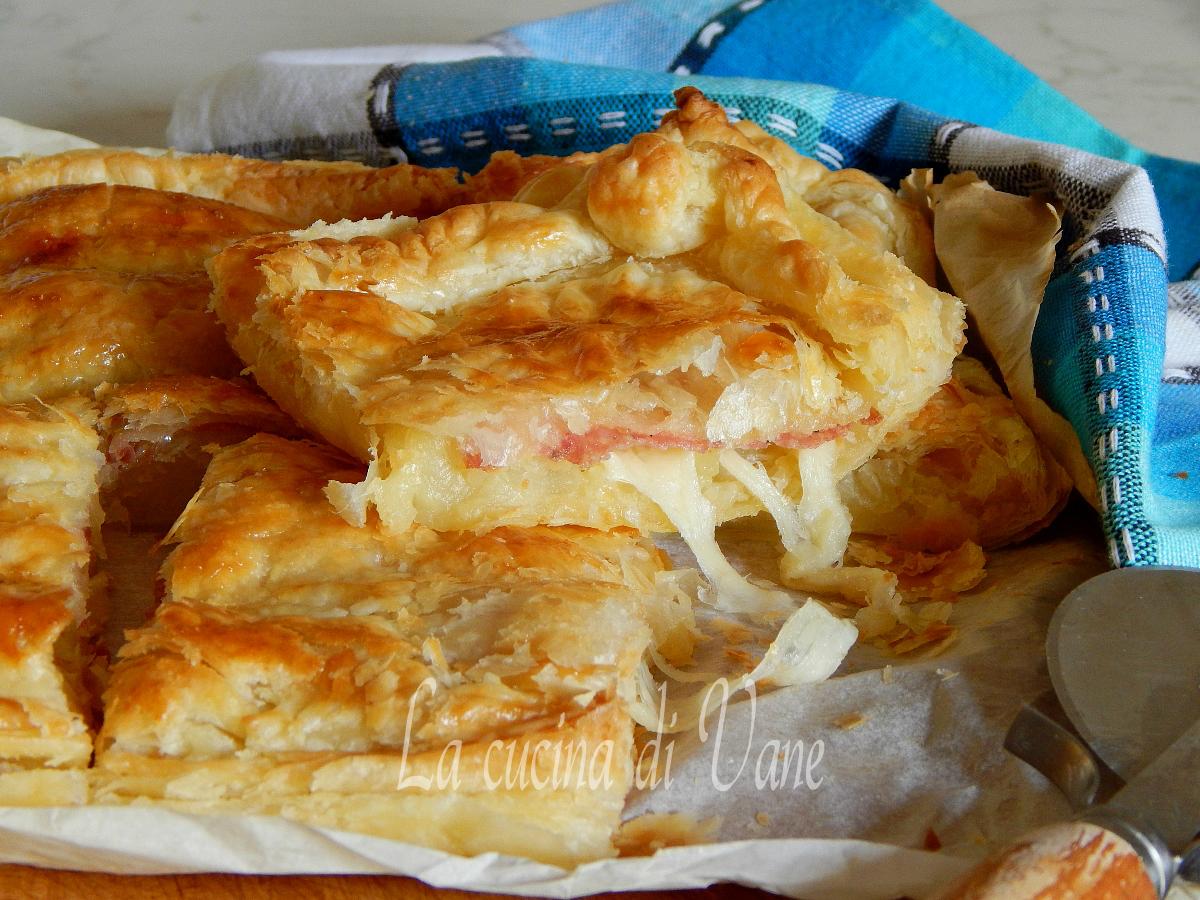 sfogliata con patate scamorza e salame