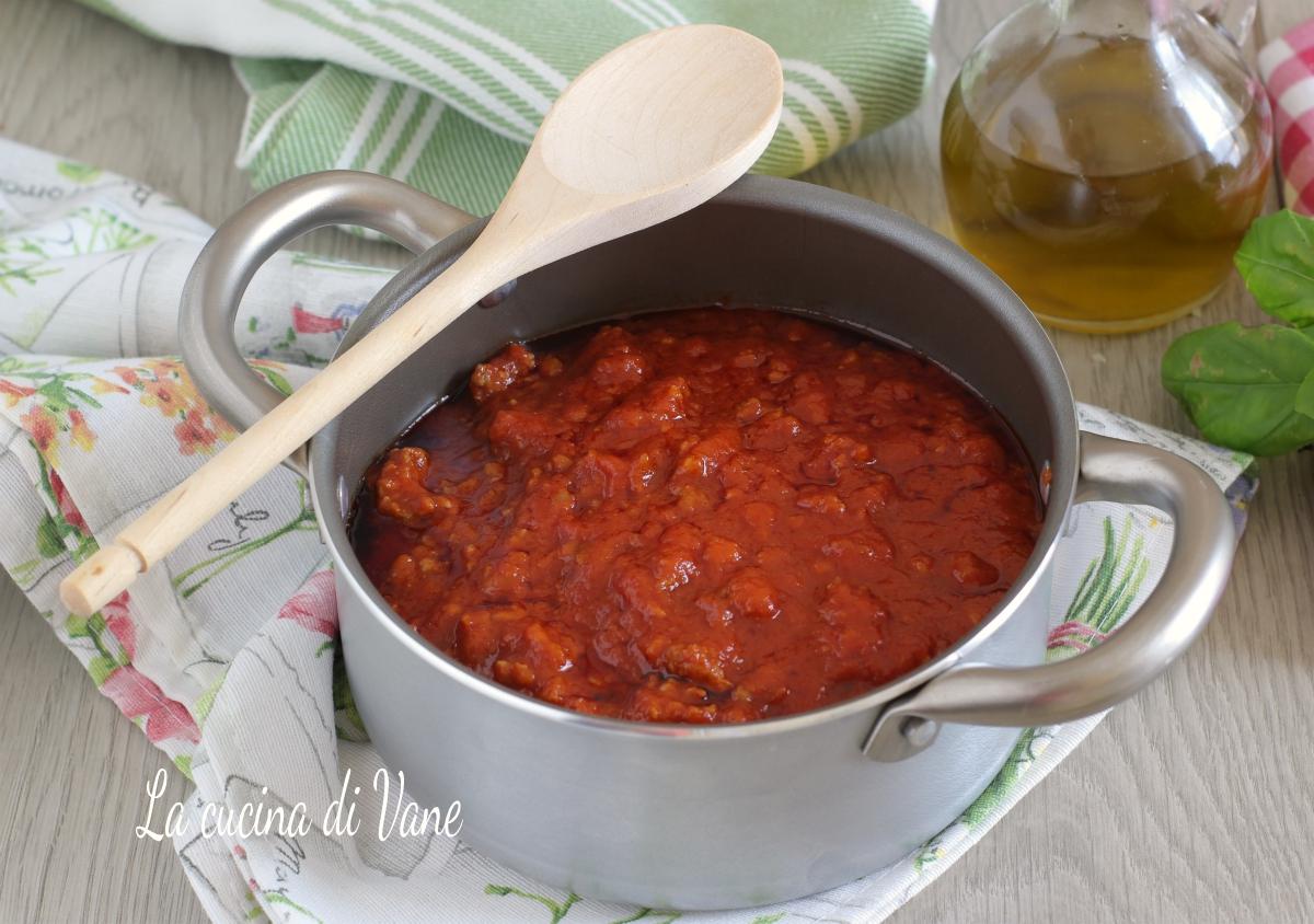 Ricetta Ragu Di Salsiccia.Ragu Di Salsiccia Ricetta Base Per Sugo Di Carne Condimento Per Pasta