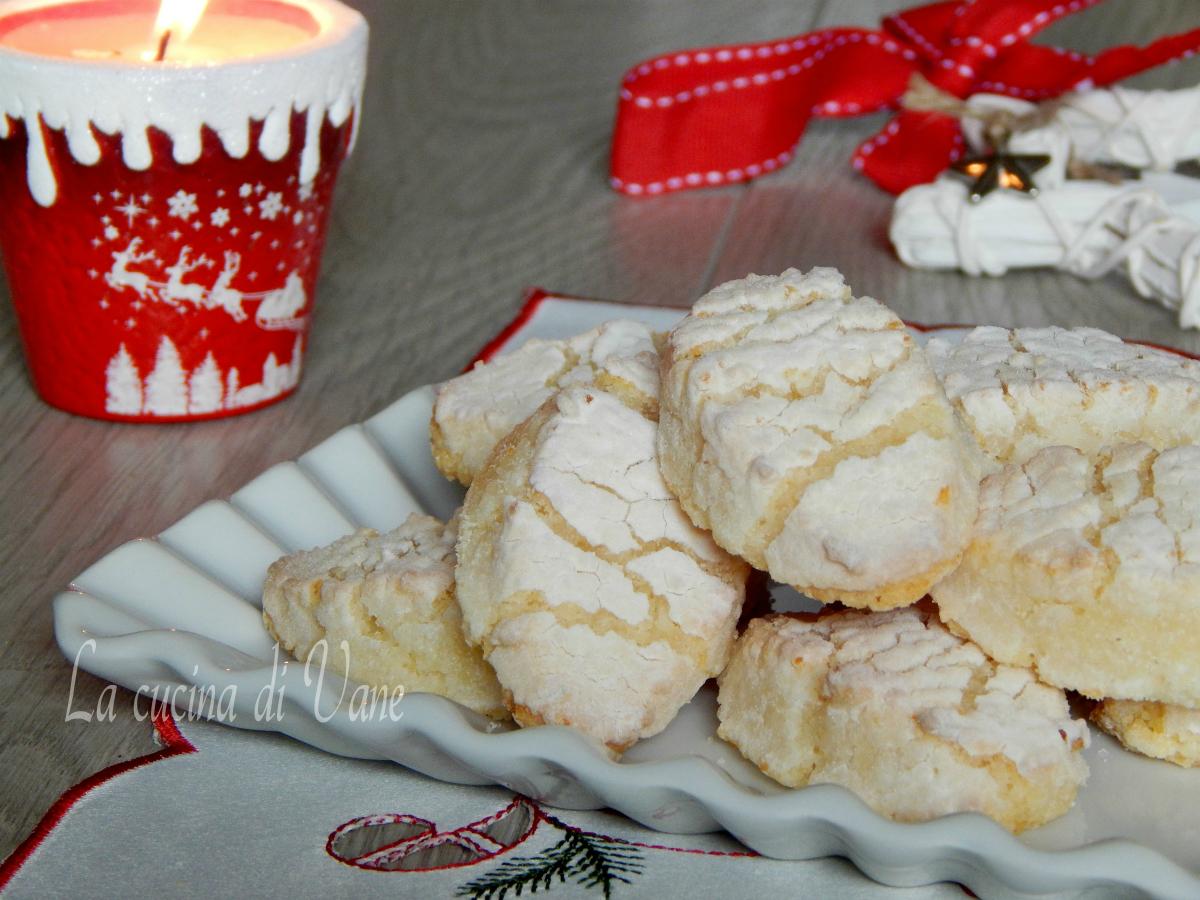 Biscotti Di Natale Ricette Giallo Zafferano.Ricciarelli Biscotti Di Natale